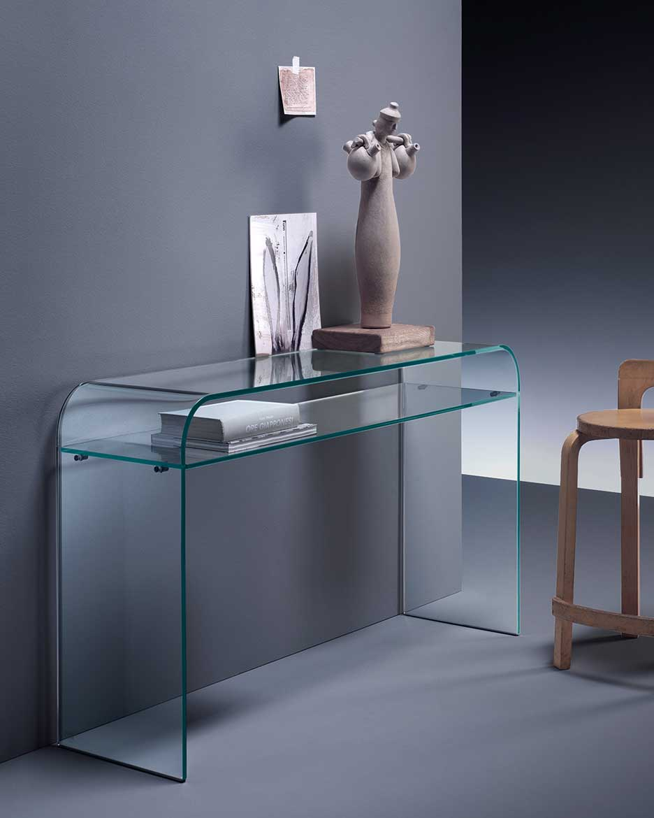 Elementare, The Curved Glass Console