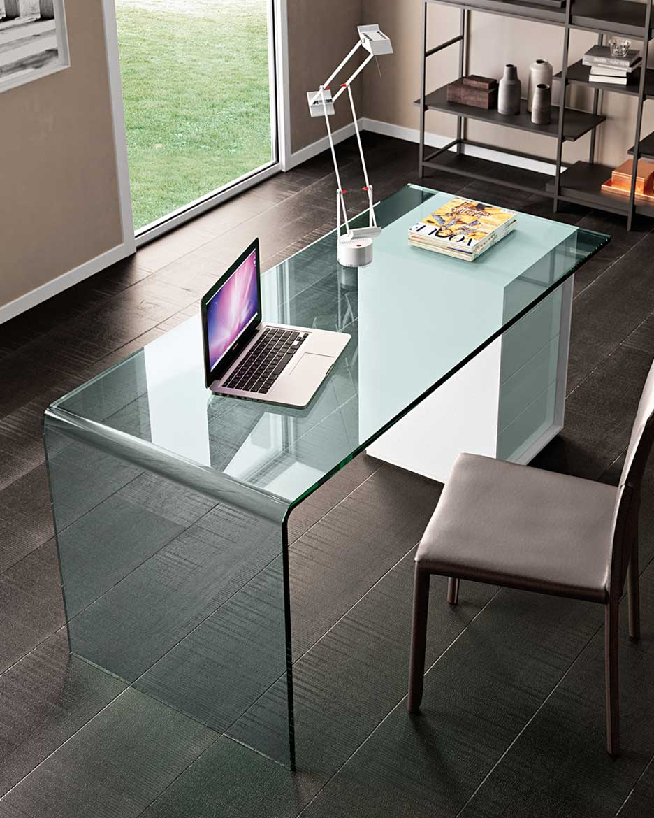 Rialto l la scrivania in vetro curvato per l home office for Scrivania cristallo design